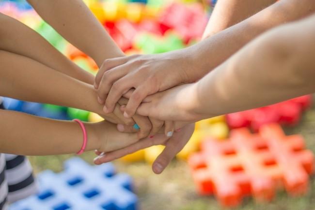 Çocuklar Mutlu Yaşamanın Sırlarını Nasıl Öğretiyor?